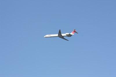 南紀白浜空港を離陸したJAL便